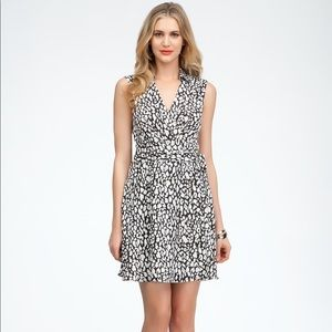 NWT BEBE leopard wrap dress Sz 4